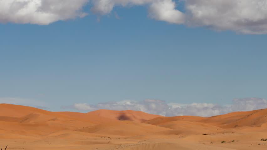 4k timelapse of the amazing Erg chebbi dunes in the sahara desert, morocco