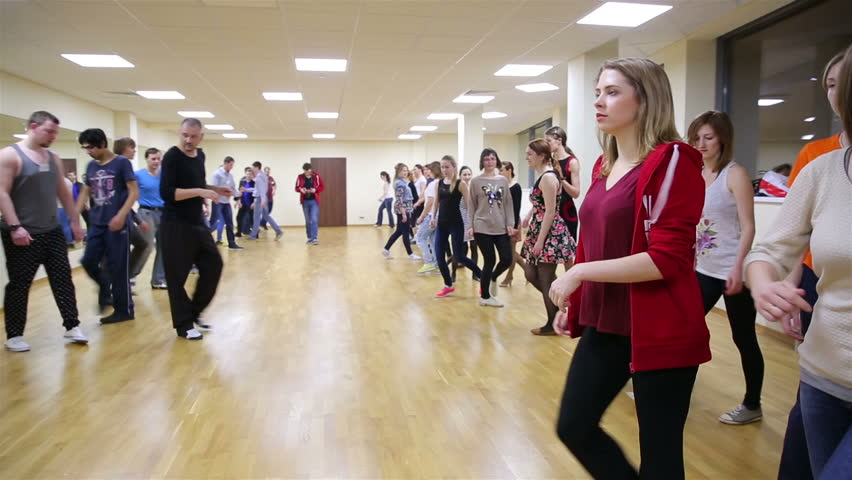 """MOSCOW, RUSSIA - NOVEMBER 14, 2016: Beginning dancers at the school dance. Dance master class at the International School of Dance """"YouDance"""". 