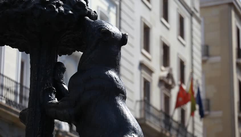Symbol of Madrid. Statue of Bear, Puerta del Sol, Spain. | Shutterstock HD Video #2579597