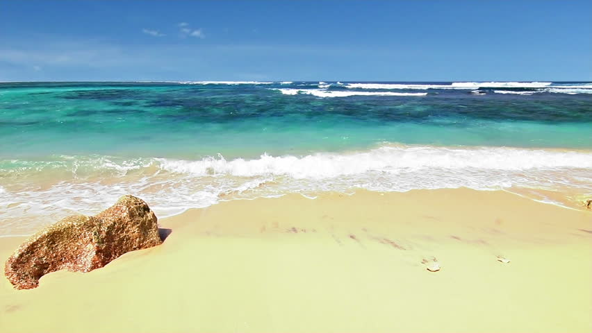 Ocean beach loop - HD stock video clip