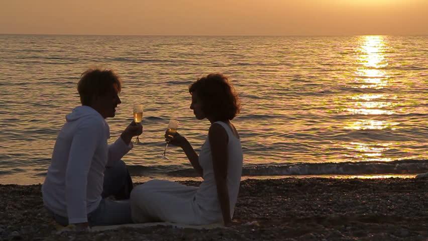 Resultado de imagen de imagenes de parejas junto al mar