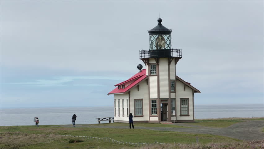 Historic point cabrillo coast guard lighthouse california for What state has the most lighthouses