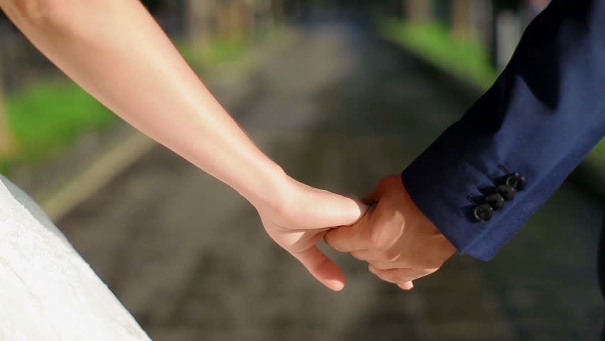 Dating hold hands