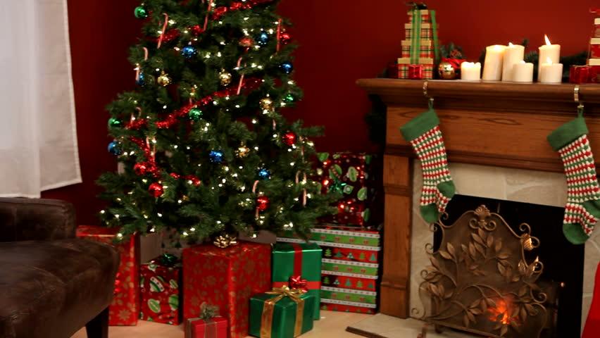 Santa Claus writing on scroll | Shutterstock HD Video #4561982
