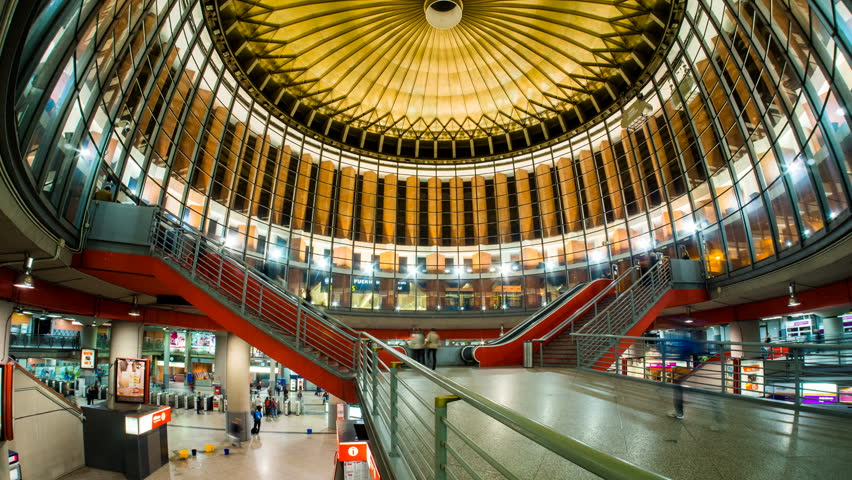 how to get from madrid airport to atocha station