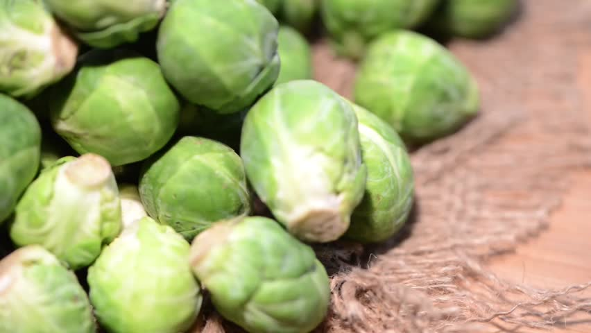 how to cut brussel sprouts video