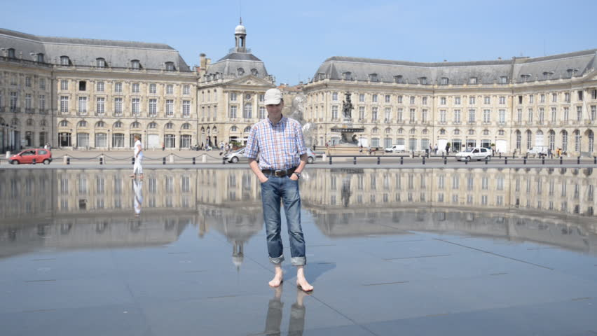 Bordeaux france september 15 time lapse of people and for Mirror pool bordeaux