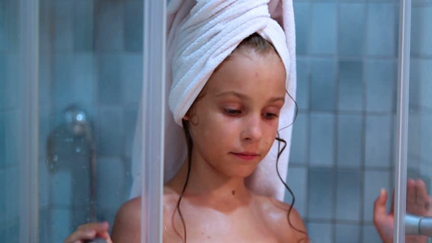 sexy chubby nude women shower