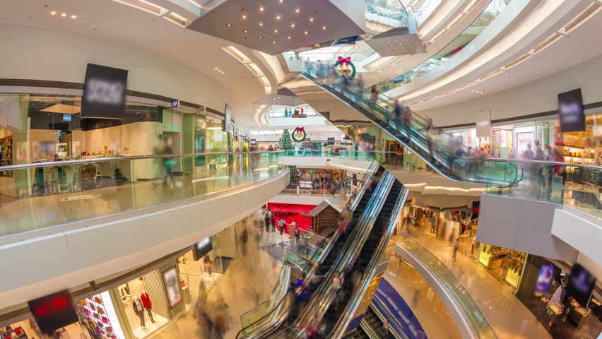 Hyperlapse video of a busy shopping mall