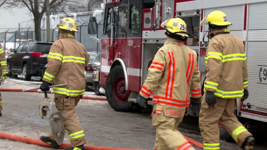 Montreal Qc 1 2014 4k 60fps Firemen Pulling Hose On