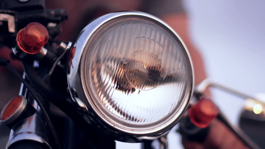 Motorcycle headlight when the ignition